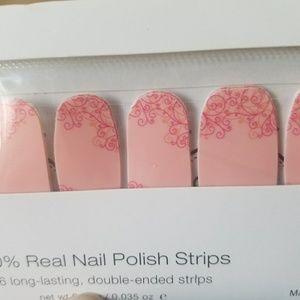 Color Street Makeup - Color Street Nail Polish Strips
